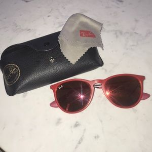 Red Ray ban sun glasses